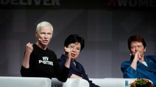 Participam da conferência Women Deliver, da esquerda para direita, a escocesa Annie Lennox, cantora e compositora,Margaret Chan, diretora da OMS e a diplomata Gro Harlem Brundtland.