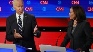 Joe Biden et Kamala Harris, tous deux candidats à la primaire démocrate aux États-Unis, se sont particulièrement affrontés mercredi soir (31 juillet 2019) lors du débat à Detroit.
