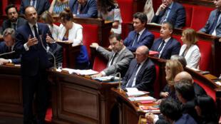 Premiê francês Edouard Phillippe é sabatinado no Congresso nesta terça-feira, 24 de julho de 2018.
