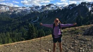 Elaine Bissonho, fluminense de 47 anos, já caminhou cerca de 30 mil quilômetros nos Estados Unidos.