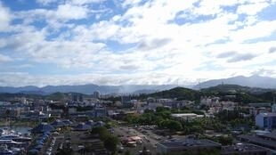 Uma panorâmica de Numeia, capital da Nova Caledónia , que organiza, no domingo, referendo de auto-determinação