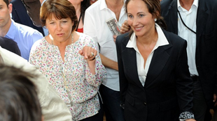 Friends ... for now - Martine Aubry (L) with Ségolène Royal at the Socialist Summer school