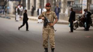Sécurité renforcée à Sanaa, au Yémen, le 5 août 2013. La Grande-Bretagne et la France ont également annoncé qu'elles prolongeaient la fermeture de leur ambassade au Yémen.