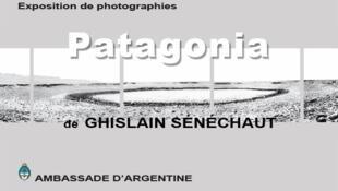 """Afiche de la exposición """"Patagonia""""."""