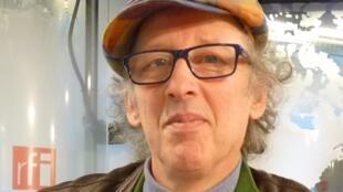 Pablo Nemirovsky en los estudios de RFI