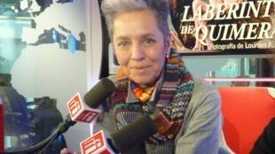 Lourdes Almeida en los estudios de RFI