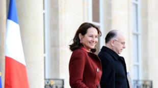 La ministre veut prolonger la vie des centrales nucléaires françaises de 10 ans.