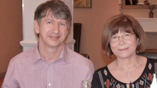 Sonia Perbal et Christophe Brichant ont réécrit fables de La Fontaine et d'Esope en argot, signant «La cocotte aux golden cocos».