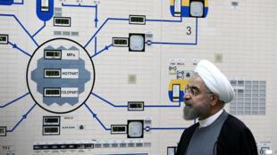 Tổng thống Iran Hassan Rohani, tại phòng kiểm soát trung tâm hạt nhân Bouchehr. (Ảnh chụp năm 2015)