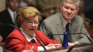 Senadora democrata Barbara Mikulski deu o voto que faltava.