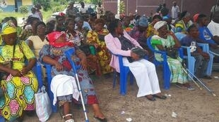 Des personnes handicapées dans la Cour de l'Institut des jeunes sourds de Brazzaville,  le 14 février 2020.