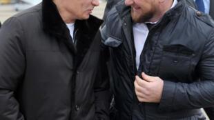 Президент России Владимир Путин и глава Чеченской республики Рамзан Кадыров в Гудермесе, декабрь 2011 г.