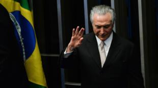 Michel Temer sucedeu a Dilma Rousseff na presidência do Brasil.