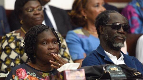 Simone Gbagbo dans le box des accusés.
