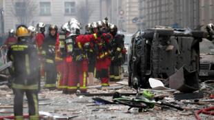 Des pompiers de Paris intervenaient pour une fuite de gaz dans la rue de Trévise quand la déflagration s'est produite.