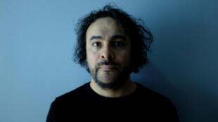L'artiste Kader Attia, lauréat du prix Marcel Duchamp 2016 pour « Réfléchir la mémoire ».