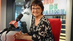 Marta Gili en los estudios de RFI