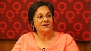 Maria da Penha recebeu um tiro do ex-marido, enquanto dormia.