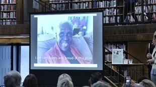 اعلام برنده جایزه جایگزین نوبل ادبیات در کتابخانه عمومی استکهلم