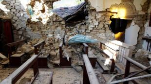Interior de Igreja de Cissoto, próxima de Amatrice, depois do terremoto de 24 de agosto de 2016.