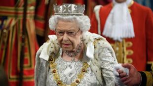La Reine Elizabeth II à Westminster avant son discours, le 14 octobre 2019, à Londres.