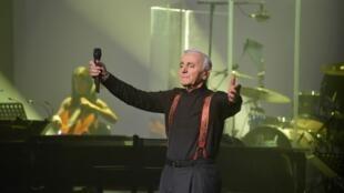 Charles Aznavour durante un concierto en París, en septembre de 2015.
