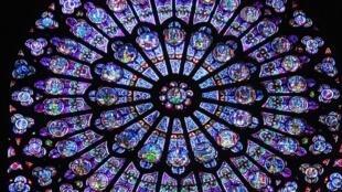 Uno de los rosetones de la Catedral de Chartres.