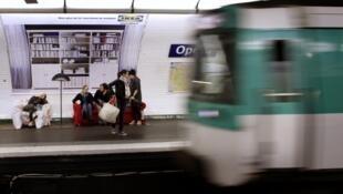 Imagen de archivo del metro de París.