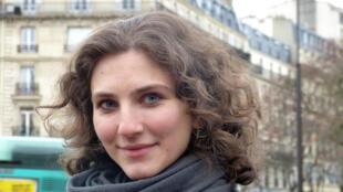 A pianista russa Ada está em Paris há três meses.