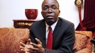 Le Premier ministre congolais Augustin Matata Ponyo Mapon répond à la presse lors de sa visite de trois jours en France. Paris, le 14 novembre 2012.
