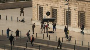 20-летние дворюродные сестры Моран и Лора были убиты в ходе теракта в Марселе 1 октября 2017 года