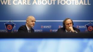 Gianni Infantino, tổng thư ký và Michel Platini Chủ tịch liên đoàn UEFA - REUTERS /V. Flauraud