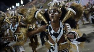 Integrantes de escolas de samba no carnaval do Rio, em 5 de março de 2019 (imagem ilustrativa)
