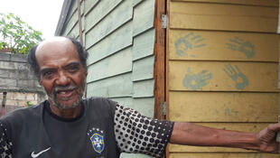 Brasil a travaillé durant 35 ans à la décharge de Jardim Gramacho. Très malade, il doit vivre avec 250 euros par mois.