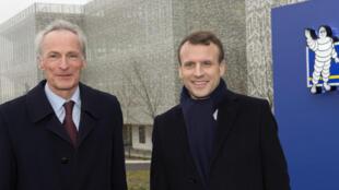 Chủ tịch tập đoàn Michelin, Jean-Dominique Senard (T) và tổng thống Pháp Emmanuel Macron tại Trung tâm Nghiên cứu Michelin, Ladoux, ngày 25/01/2018.