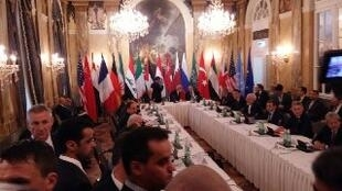 Regime e oposição síria ausentes da reunião de Viena