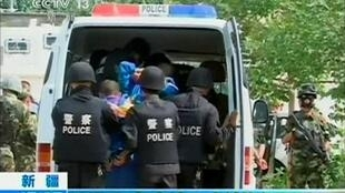 Theo giới bảo vệ nhân quyền, chính sách hà khắc của Bắc Kinh nuôi dưỡng căng thẳng bạo lực tại Tân Cương - Reuters