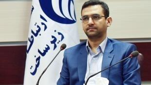 آذری جهرمی، گزینه پیشنهادی حسن روحانی، رئیس جمهوری ایران برای وزارت ارتباطات و فناوری اطلاعات
