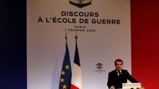 O Presidente Emmanuel Macron durante o seu discurso sobre estratégia de defesa europeia, ,na Escola de Guerra de Paris. 07 02 2020
