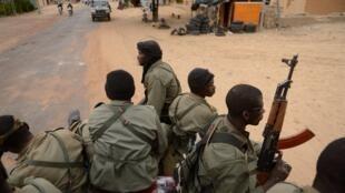 Selon les informations de Human Rights Watch, les personnes enlevées auraient été tuées par des soldats maliens.