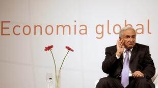 លោក  Dominique Strauss-Kahn ប្រមុខដឹកនាំនៃមូលនិធិរូបិយវត្ថុអន្តរជាតិFMI