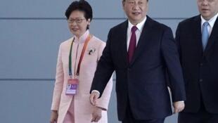 中國國家主席習近平與香港特首林鄭月娥去年10月共同出席珠港澳大橋開通儀式