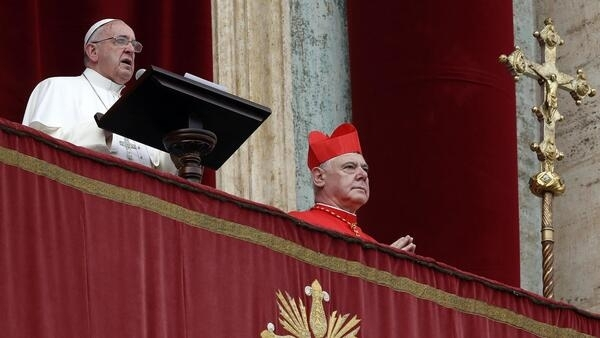 Le pape François, au balcon de la basilique Saint-Pierre, le 25 décembre 2014.