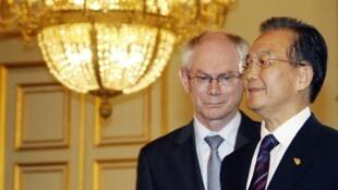 Chủ tịch LHCAu Van Rompuy tiếp thủ tướng TQ Ôn Gia Bảo (Reuters)