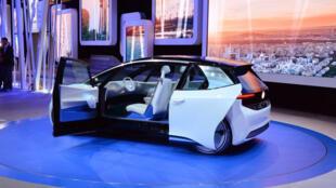 اتومبیل صد درصد برقی فولکس واگن برای سال ٢٠٢٠ میلادی