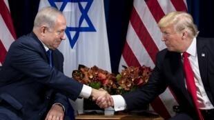 بنیامین نتانیاهو از دونالد ترامپ با عنوان «بزرگترین دوستی که اسرائیل در کاخ سفید داشته است» یاد کرد و طرح صلح او را «توافق قرن» خواند. - تصویر آرشیوی
