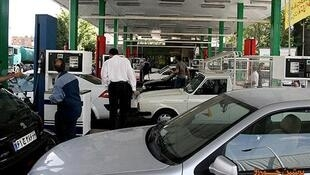 بیژن زنگنه مدعی شد که وی در مقام وزیر نفت ایران از امکان افزایش قیمت سوخت اطلاعی ندارد.
