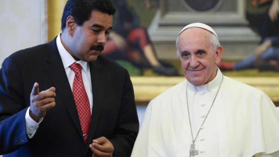 O Papa Francisco recebeu nesta segunda-feira no Vaticano, em audiência privada, o presidente da Venezuela, Nicolas Maduro.