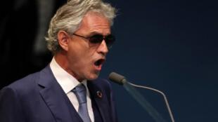 Sau 14 năm hát cover, Andrea Bocelli trở lại với nhiều sáng tác mới.