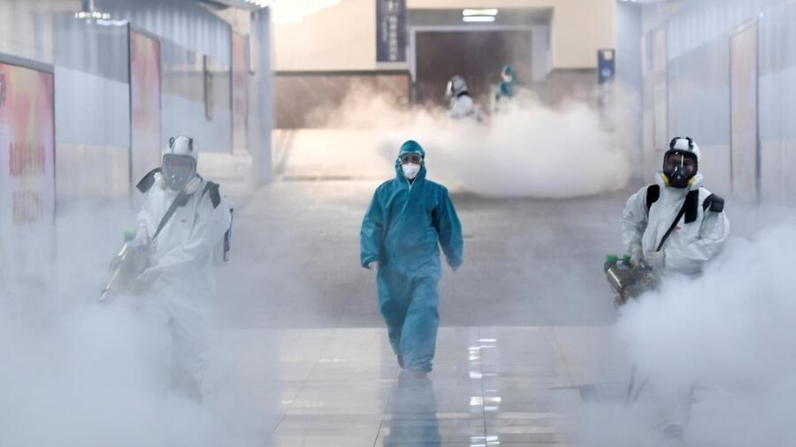 新冠病肺炎疫情中武汉长沙的消毒工作资料图片